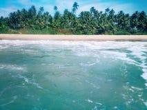 秀丽海岛,从水表面的看法 库存图片