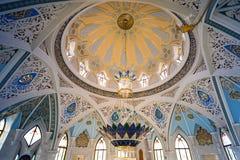 秀丽清真寺Kul谢里夫的墙壁和曲拱 免版税图库摄影