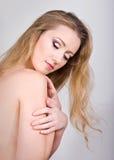 秀丽白肤金发的华美的纵向年轻人 图库摄影