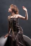 秀丽礼服被塑造的老妇人 免版税库存照片