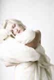 秀丽纵向休眠的妇女 库存照片