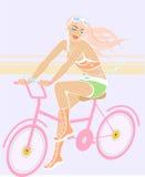 秀丽自行车女孩 库存图片