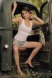 秀丽青少年的卡车葡萄酒 免版税库存照片
