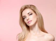 秀丽画象妇女,睫毛,自然构成 免版税库存照片