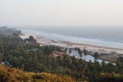 秀丽Arambol海滩风景 全景,顶视图 免版税库存照片