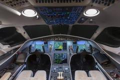 私人喷气式飞机驾驶舱 库存照片