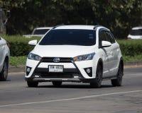 私人汽车丰田亚里斯斜背式的汽车Eco汽车 库存图片