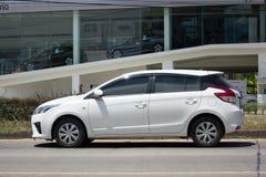 私人汽车丰田亚里斯Eco汽车 免版税库存照片