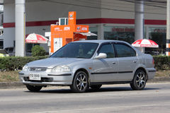 私人汽车,本田契维奇 在没有的路上 1001 库存照片