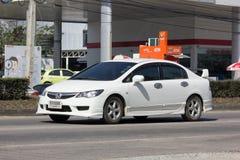 私人汽车,本田契维奇 在没有的路上 1001 免版税图库摄影