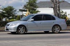 私人汽车,本田契维奇 在没有的路上 1001 免版税库存图片
