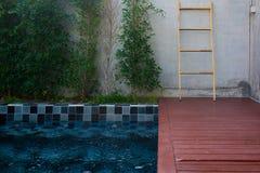 私人设备在庭院里 图库摄影
