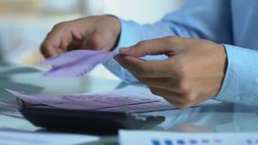 私有商店会计计算的净收入,计数欧元,赢利 股票录像
