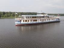 私有小船约瑟夫斯大林-马克西姆・高尔基 库存照片