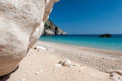 私有白色沙子海滩 免版税库存照片
