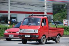 私有老微型拾起卡车,铃木运载 免版税库存照片