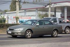 私有老汽车,凌志ES 300 凌志是从丰田的高级品种 免版税库存图片