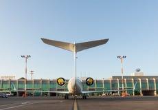 私有航空器在机场 免版税库存照片