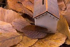秋叶的一点模型房子地方 图库摄影