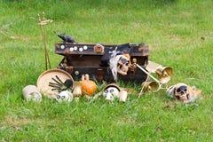 秋天万圣夜在农场的假日装饰。 免版税库存照片