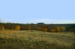秋天乡下风景在俯视矿的一个多小山区域 库存图片