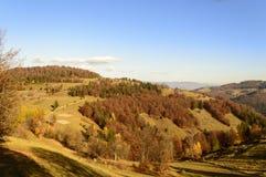 秋天五颜六色的横向山日出 图库摄影