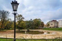 秋天公园在市罗兹,波兰 免版税库存照片