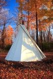 秋天圆锥形帐蓬