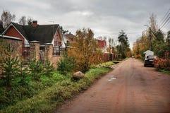 秋天在俄国村庄 免版税库存照片