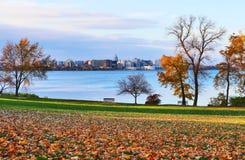 秋天在城市 免版税图库摄影