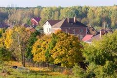 秋天在村庄 免版税库存图片