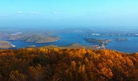 秋天在镜泊湖 免版税库存图片