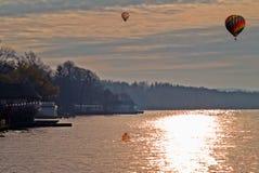 秋天场面的湖 库存照片