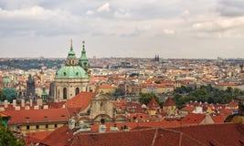 秋天城市视图,从Mala Strana,布拉格,捷克。 库存图片