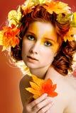 秋天女性模型纵向 库存照片