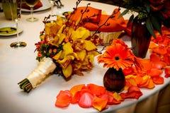 秋天婚礼的表装饰 库存照片