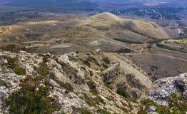 秋天山风景在克里米亚 顶视图 库存图片