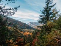 秋天山Isère法国 免版税库存图片