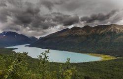 秋天暴涨向湖Eklutna在阿拉斯加 库存照片