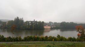 秋天有雾的横向 免版税库存照片