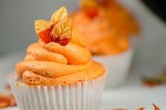 秋天杯形蛋糕 库存图片