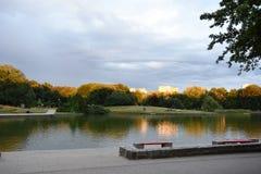 秋天横向在公园 库存照片