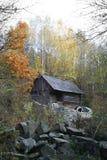 秋天横向磨房水 免版税库存图片