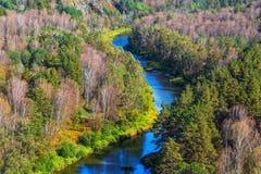 秋天横向 从岩石的看法在河Berd 图库摄影