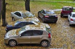 秋天汽车。 免版税库存照片