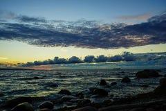 秋天波儿地克的夜间海运日落 免版税图库摄影