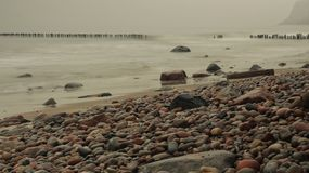 秋天海的石头 库存照片