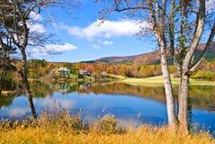 秋天湖横向 图库摄影
