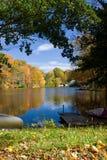 秋天湖横向 免版税库存图片
