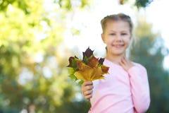 秋天画象 芭蕾舞女演员一点 孩子 页 自然 图库摄影